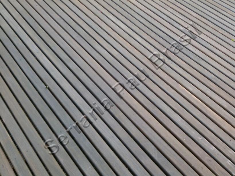 Deck de eucalipto tratado